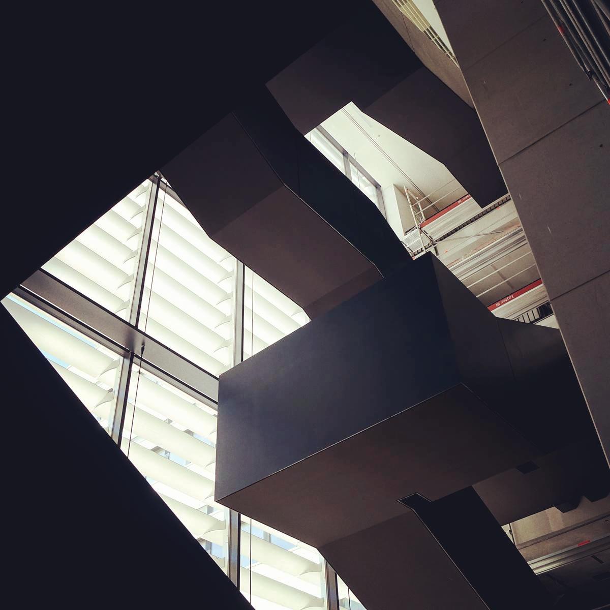 treppenhaus-gebaude-v_w